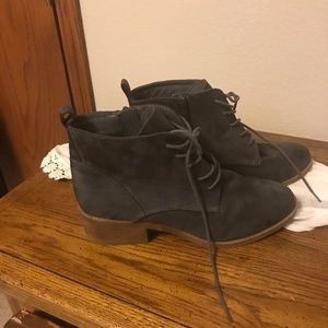 Carlos Boots size 10
